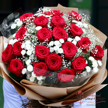 Happy Christmas with red roses hochiminh